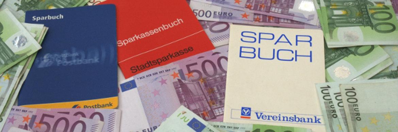 Das Sparbuch ist und bleibt bei den Deutschen beliebt.|© N.Schmitz / <a href='http://www.pixelio.de/' target='_blank'>pixelio.de</a>