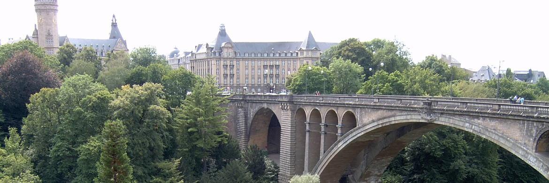 Blick auf Luxemburg&nbsp;|&nbsp;&copy; Rolf Krekeler / <a href='http://www.pixelio.de/' target='_blank'>pixelio.de</a>