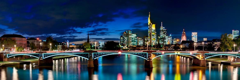 Frankfurt am Main ist die deutsche Stadt mit dem h&ouml;chsten Transaktionsvolumen am Gewerbeimmobilienmarkt 2016 (7,25 Milliarden Euro).&nbsp;|&nbsp;&copy; www.clearlens-images.de / <a href='http://www.pixelio.de/' target='_blank'>pixelio.de</a>