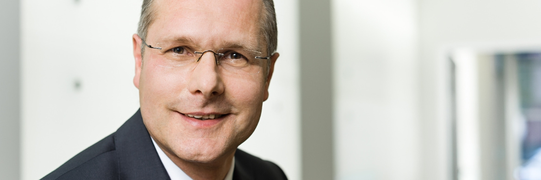 """Bernhard Fünger, Geschäftsführer der Monega KAG: """"Wir freuen uns sehr, dass wir mit dem TOP TREND seit Jahresbeginn einen weiteren, spezialisierten Partnerfonds auf unserer KVG-Plattform anbieten können."""""""