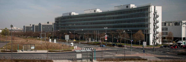 Bafin-Liegenschaft in Frankfurt: Die Finanzaufsicht präsentierte Ende Juni den Entwurf eines gemeinsamen Rundschreibens zur Beschwerdebearbeitung © Bafin/Kai Hartmann