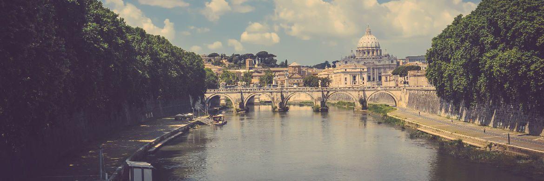 Blick über den Tiber in Rom auf den Petersdom|© Stokpic