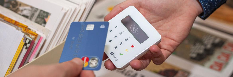 """Kartenlesegerät von Sum Up: Die Berliner Firma erwirtschaftet seit dem vorigen Jahr Gewinne. Und der Jahresumsatz habe die Grenze von 100 Millionen US-Dollar """"deutlich überschritten""""."""