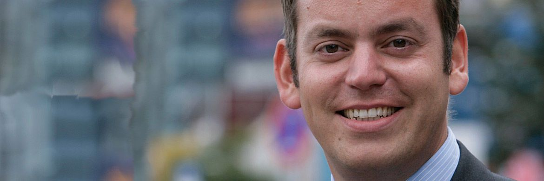 Netfonds-Gründungsgesellschafter Martin Steinmeyer: Mit der Tochtergesellschaft Fundsware hat man eine neue Investment-Fibel für den Einsatz in der Kundenberatung veröffentlicht.|© Netfonds AG, Frank Waberseck (r.)