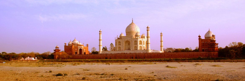 Das Taj Mahal gilt als das schönste Bauwerk muslimischer Architektur in Indien.