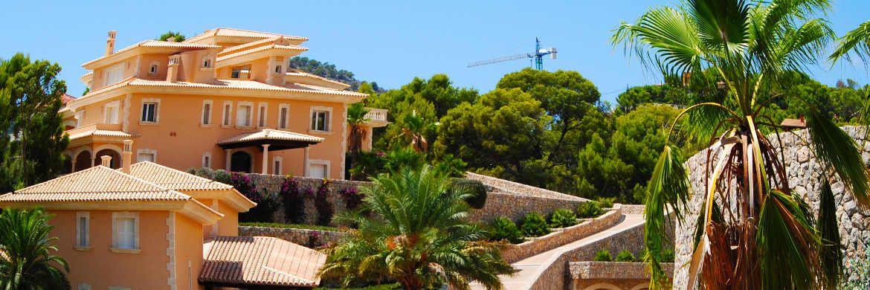 Finca auf Mallorca: Deutsche Besitzer einer spanischen Luxusimmobilie, bei denen in der Regel eine Kapitalgesellschaft in der Rechtsform einer Sociedad Limitada als Eigentümerin im Grundbuch geführt wird, werden vom Finanzamt ab sofort strenger beobachtet. |© Manuel Fruth / <a href='http://www.pixelio.de/' target='_blank'>pixelio.de</a>