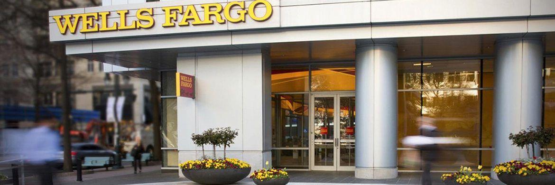 Bankfiliale von Wells Fargo. Das Geldinstitut holt 1780  Mitarbeiter zurück, die im Zuge des Scheinkonten-Skandals offenbar vorschnell entlassen wurden.