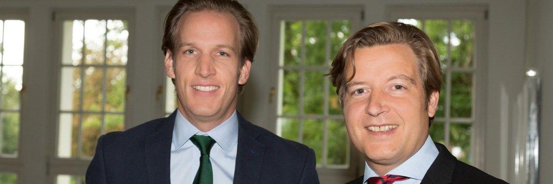 Die Salesheads-Gründer Victor Reincke (li.) und Achim Denkel haben eine neue Nachrichten- und Fondsinformations-Plattform entwickelt.|© Barbara Eismann