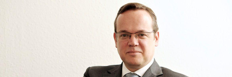 Frank Rottenbacher. Der Vorstand des Beraterverbands AfW hält die derzeitige rechtliche Situation für Versicherungsberater für problematisch.