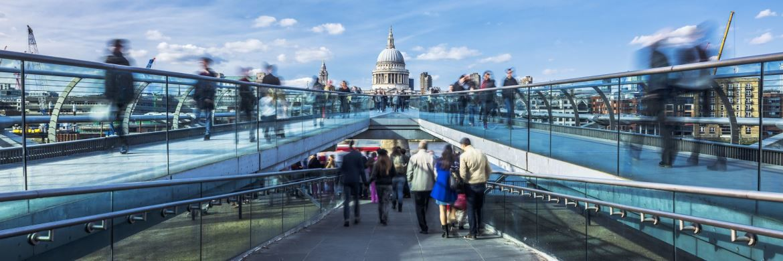 Millennium-Bridge in London: In der britischen Hauptstadt hat der Vermögensverwalter Standard Life Aberdeen einen seiner 50 weltweiten Standorte