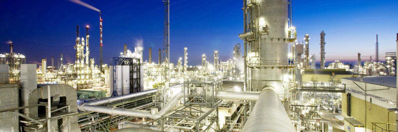 Steamcracker im BASF-Werk Ludwigshafen: Ein neuer Fonds setzt auf Anleihen von Unternehmen aus europäischen Industrieländern.|© BASF SE