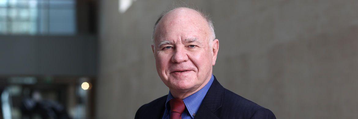 "Marc Faber: Der Investmentprofi gibt den monatlichen Investment-Newsletter ""The Gloom Boom Doom Report"" heraus."