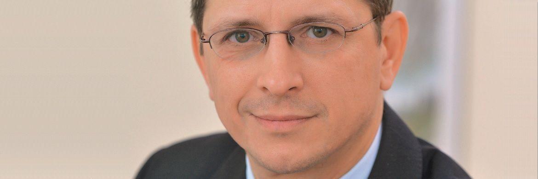 Norman Wirth, Wirth Rechtsanwälte und Vorstand des AfW, hält eine Umsetzung der IDD zunächst in Teilen für rechtlich schwierig. © Wirth Rechtsanwälte