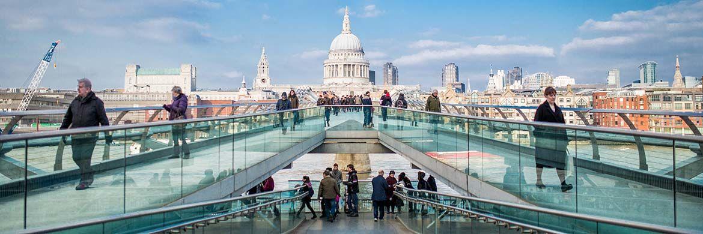 Saint Paul's Cathedral in London: Nur wenige hundert Meter entfernt ist der Hauptsitz der Fondsboutique Newton