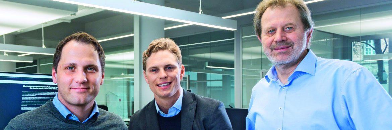 Die Gründer von Scalable Capital (v.l.n.r.): Florian Prucker, Erik Podzuweit und Stefan Mittnik. Die Altersstruktur beim digitalen Vermögensverwalter steigt parallel zum verwalteten Vermögen. © Scalable Capital
