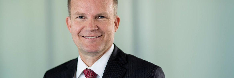 Der Chef der TK, Jens Baas: Seine Krankenkasse will 2018 den Zusatzbeitrag senken.|© TK