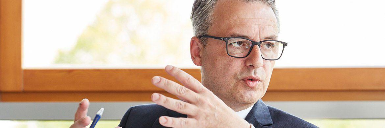 Anselm Gehling ist seit 2011 Geschäftsführer der Dr. Peters Group, eines der führenden Anbieter Alternativer Investmentfonds in Deutschland.|© Robert Schlossnickel