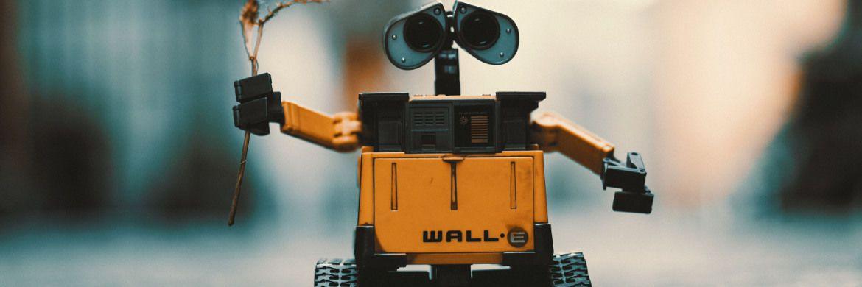 Roboter Wall-E mit Blümchen: Technologie bleibt Janus Henderson zufolge das dominierende Investment-Thema.|© Pexels