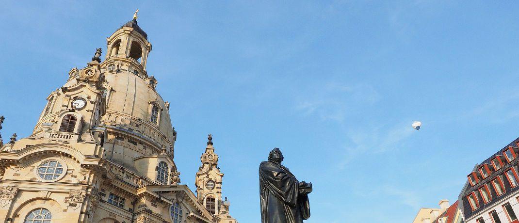Die Frauenkirche in Dresden mit der Martin-Luther-Statue im Vordergrund: Die Hauptstadt Sachsens ist eine klassische B-Stadt.|© Pixabay