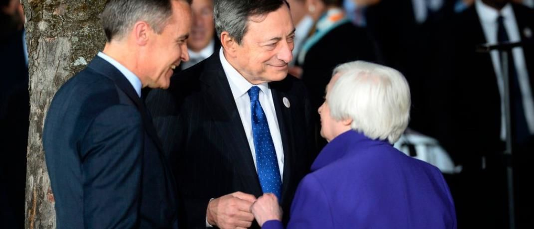 Mark Carney (l.), Gouverneur der Bank of England, EZB-Chef Mario Draghi und Fed-Chefin Janet Yellen: Überschätzen Investoren den Einfluss der Zentralbanken auf die Finanzmärkte?