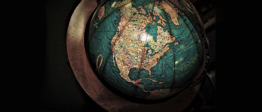 Globus mit Blick auf Nordamerika: Anleihen aus den USA machen derzeit den Großteil des Bloomberg Barclays Global Aggregate Bond Index aus. Kanada liegt im Länder-Ranking hinter Japan, Frankreich, Großbritannien, Deutschland und Italien auf Platz sieben.|© Pixabay