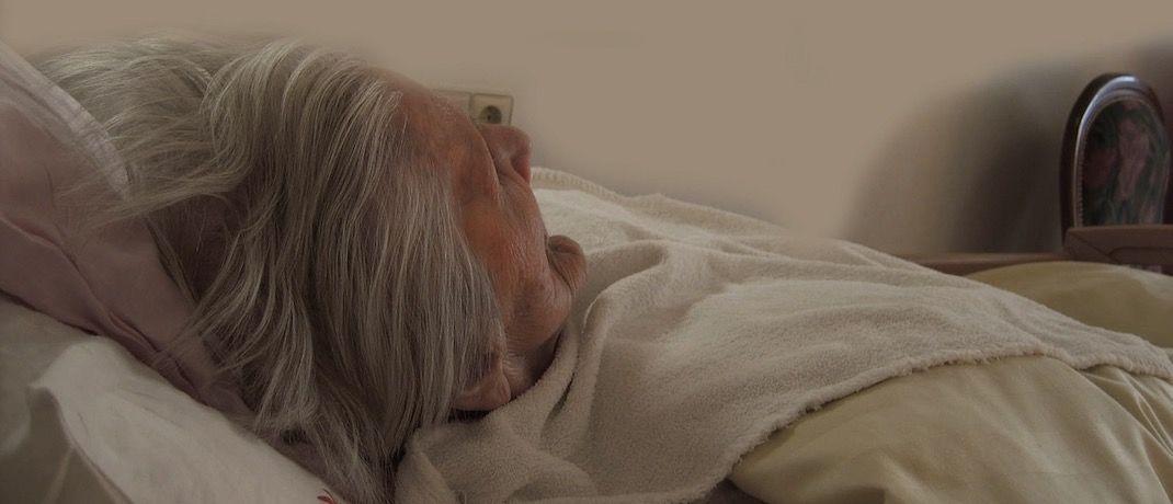 Eine pflegebedürftige Rentnerin: Nicht alle Betroffenen nutzen alle Pflegeleistungen.  © Pixabay