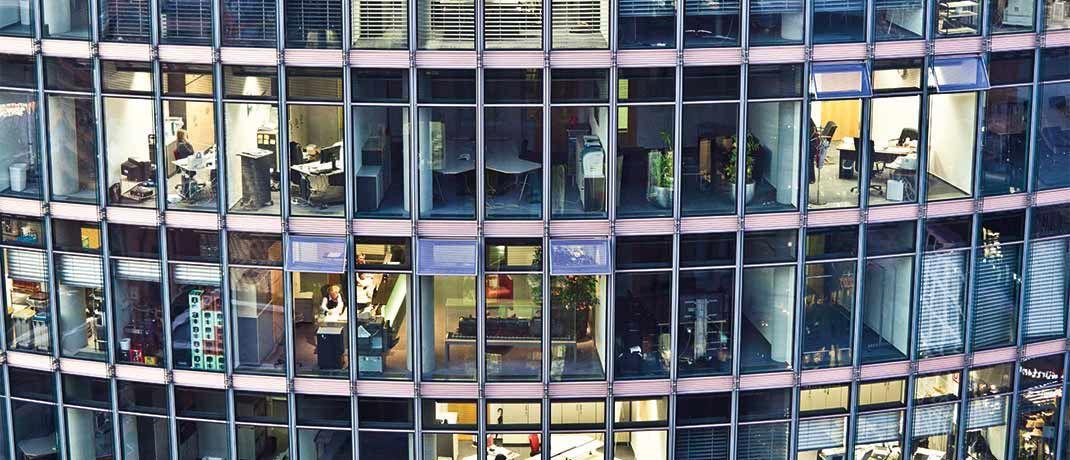 Viel Arbeit für viele Köpfe: Mifid II verlangt von unabhängigen Vermögensverwaltern neue Dokumentationsund Meldepflichten.|© andrearoad/IStock