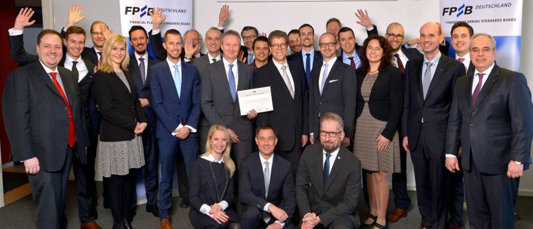Die frisch ausgezeichneten Zertifikatsträger bei der feierlichen Übergabe am 19. Januar 2018 in Frankfurt.|© FPSB