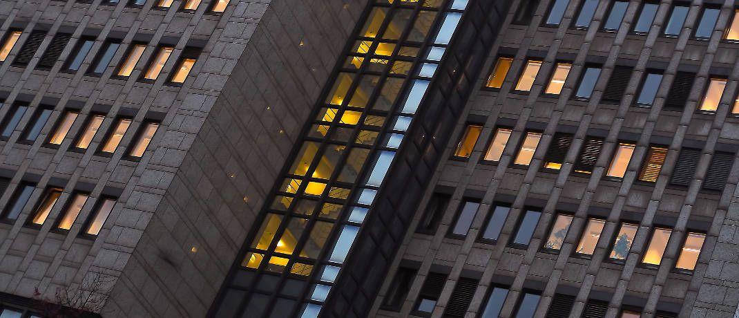 Büroräume: Auch kaufmännisch Tätige können berufsunfähig werden. Oft wird eine BU-Leistung bereits im Krankheitsfall gewährt.|© Pixabay