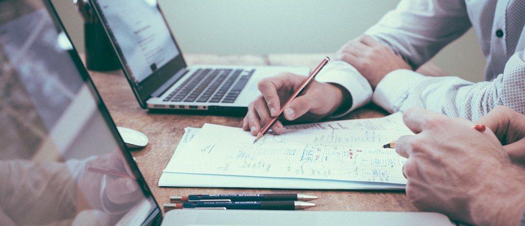 Ein Beratungsgespräch: Die Kunden verschiedener Versicherungsvermittler sind nicht alle gleich zufrieden. |© Pixabay