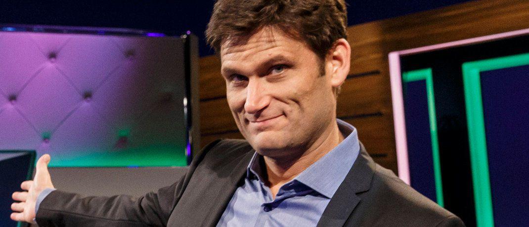 "Christian Ehring: Der Moderator der NDR-Sendung ""Extra 3"" erklärte den Bitcoin jetzt einmal satirisch.|© Bild: NDR/Morris Mac Matzen"