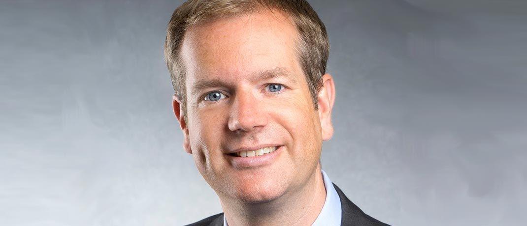 Michael Viehmann: Bei Flossbach von Storch war er 2001 als Portfoliomanager eingestiegen, bevor er 2007 die Leitung des 2011 eingestellten Flossbach von Storch Family Office übernahm.