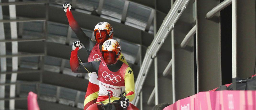 Tobias Wendl und Tobias Arlt: Das deutsche Rodel-Duo hat sich bei den Olympischen Winterspielen in Südkorea die Goldmedaille gesichert,|© Getty Images