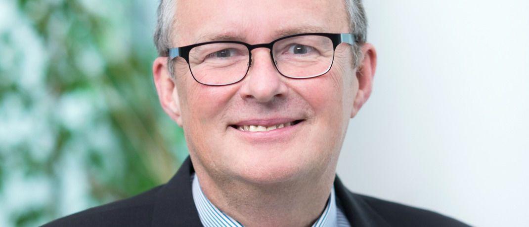 Hermann Hübner: Der Vorstandsvorsitzende der Vema Versicherungs-Makler-Genossenschaft gibt Tipps wie Makler die Bestandsübertragung an ihre Erben angehen können. |© Vema