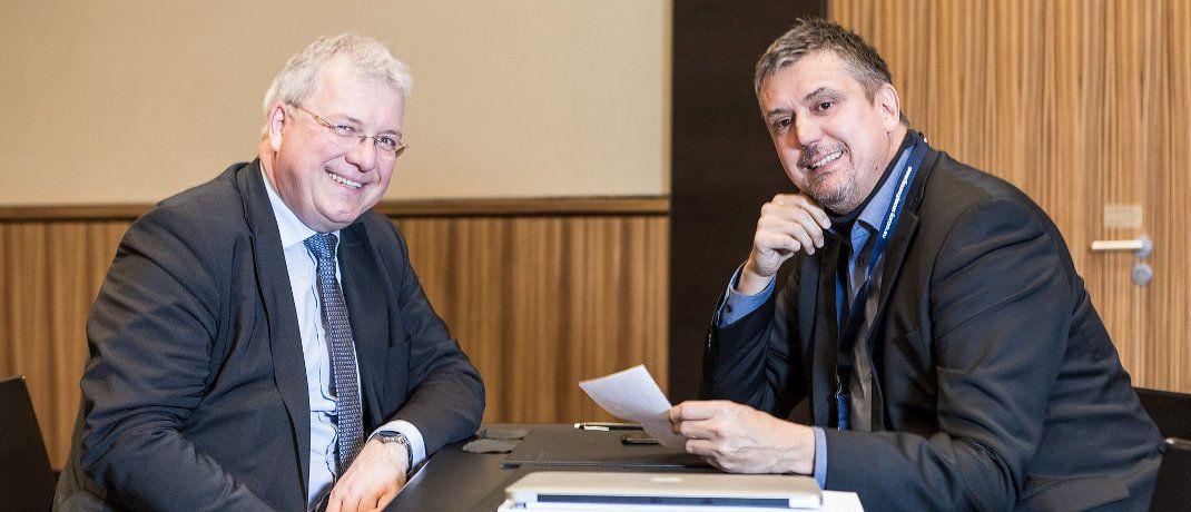 Markus Ferber (li.), Mifid-Berichterstatter des Europäischen Parlaments, im Gespräch mit DAS-INVESTMENT-Redakteur Oliver Lepold.|© Axel Jusseit