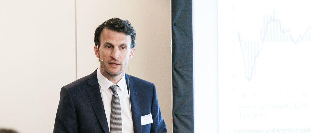 Rolf Schäffer: Der Leiter Strategy Research der Landesbank Baden-Württemberg (LBBW) stand auf dem diesjährigen Kapitalmarktforum der LBBW in Wien Rede und Antwort zu den Kapitalmarktaussichten für 2018 und darüber hinaus.|© Photography Arman Rastegar Wien