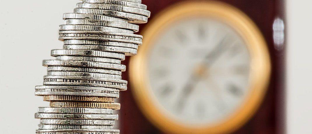 Zeit ist Geld: Je früher man mit dem Vermögensaufbau beginnt, desto besser. Das zeigt eine aktuelle Berechnung des Financial Planning Standards Board Deutschland.  |© Pixabay