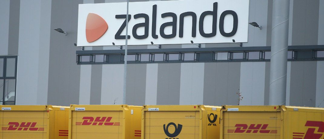 Zalando-Logistikzentrum in Erfurt: Die Aktie des Online-Händlers ist Bestandteil des Index M-Dax, der über börsengehandelte Indexfonds auch oft in Fondspolicen landet. | © Getty Images