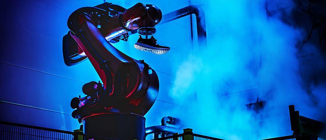 """Blick in eine """"Speedfactory"""": Mit dezentralen Produktionsstätten will Adidas künftig den 3D-Druck in der Schuhproduktion etablieren. © Adidas AG"""