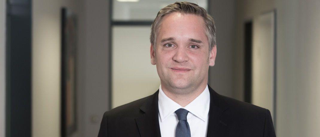 Tim Banerjee ist Rechtsanwalt der Mönchengladbacher Wirtschaftskanzlei Banerjee & Kollegen, die sich unter anderem auf die Beratung an der Schnittstelle zwischen Vertriebs- und Arbeitsrecht spezialisiert hat.|© Banerjee & Kollegen