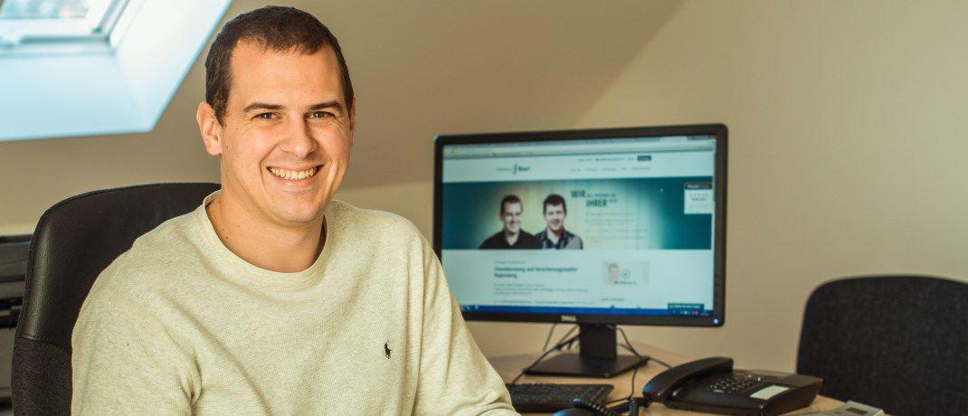 Tobias Bierl: Der Versicherungsmakler weist in seinem Blogbeitrag darauf hin, wie wichtig die Überprüfung der Patientenakte beim Abschluss einer Versicherung ist.|© Finanzberatung Bierl