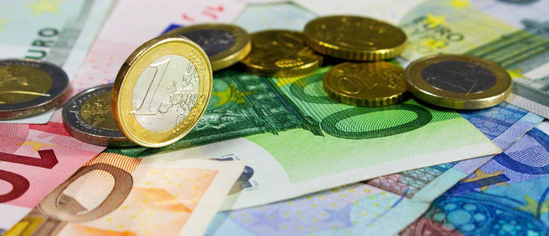 """Euroscheine und -m&uuml;nzen. Sollten Bewerber ihrem zuk&uuml;nftigen Chef sagen, wie viel Geld sie in ihrem bisherigen Job erhalten? Ein Personal-Profi gibt einen Tipp.&nbsp; &nbsp;&copy; I-vista/<a target=""""_blank"""" href=""""https://www.pixelio.de/"""";>Pixelio.de</a>"""