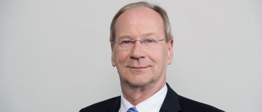 Uwe Laue ist Chef des PKV-Verbands: Der Verband setzt sich für einen einfacheren Wechsel von gesetzlicher in die private Krankenversicherung ein.