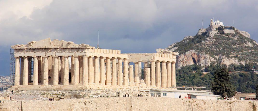 Akropolis &uuml;ber der griechischen Hauptstadt Athen: Auf die aktuelle Lage der Anleihen des s&uuml;dosteurop&auml;ischen Krisenstaats geht Ottmar Wolf von der Wallrich Wolf Verm&ouml;gensmanagement gesondert ein.&nbsp;|&nbsp;&copy; segovax / <a href='http://www.pixelio.de/' target='_blank'>pixelio.de</a>