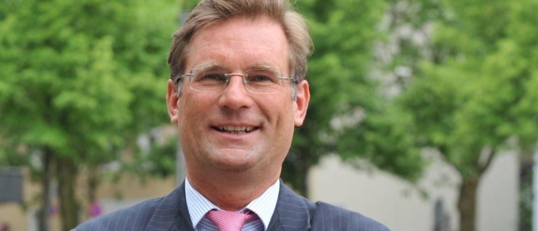 """""""Deutsche Sparer kommen an Aktien nicht vorbei"""", so Holger Schmitz, Vorstand der Schmitz & Partner"""