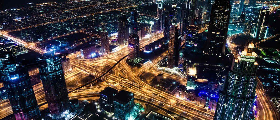 Dubai City bei Nacht: Der neue Pictet-Themenfonds widmet sich moderner Stadtentwicklung|© Pexels