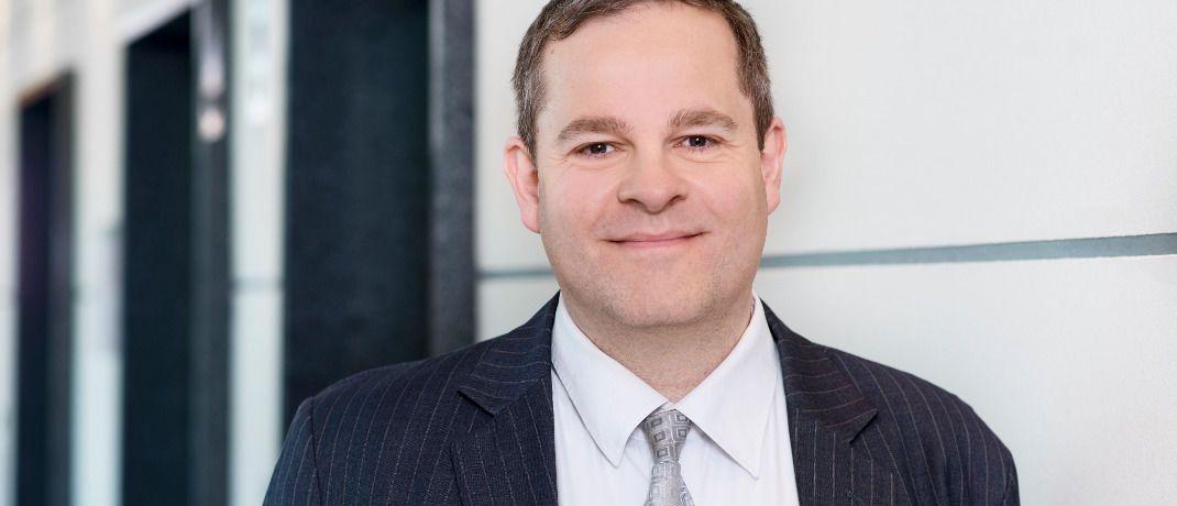 Nico Baumbach: Der Hansainvest-Fondsmanager erklärt im Interview, warum er gerade jetzt das Anlageuniversum des Fonds Hansawerte erweitert.|© Hansainvest