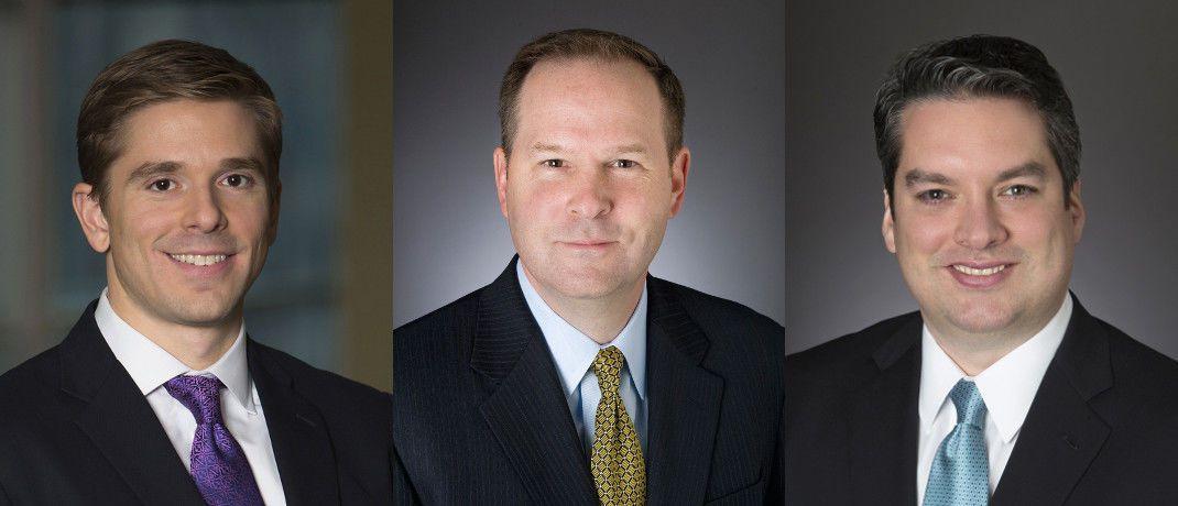 Justin Christofel, Michael Fredericks und Alex Shingler (v.l.): Die Fondsmanager aus dem Team für ertragsorientierte Multi-Asset-Strategien bei Blackrock verantworten den neuen BGF Global Conservative Income Fund.|© Blackrock