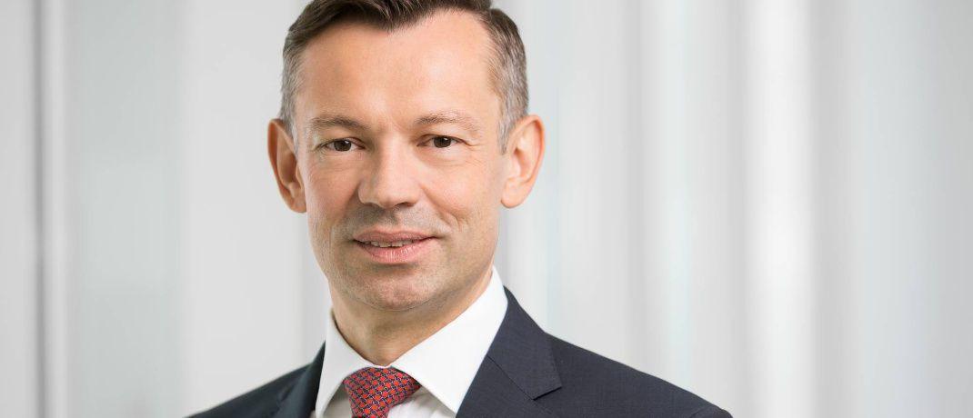 Michael Schmidt: Der Aufsichtsrat der Lloyd Fonds AG hat den 45-Jährigen mit einer Laufzeit von drei Jahren zum weiteren Vorstandsmitglied bestellt. Er ist außerdem Vorstandsmitglied der Deutschen Vereinigung für Finanzanalyse und Asset Management (DVFA). |© Lloyd Fonds AG
