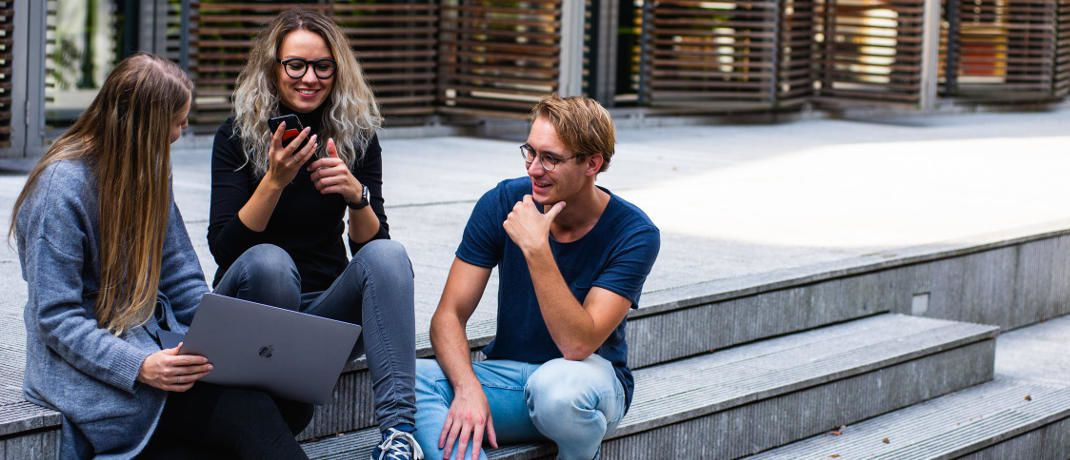 Studenten. Das Karriereportal Efinancialcareers.com hat vergleichen, wo in der Finanzbranche eher ein MBA und wo ein CFA passt.|© Pexels